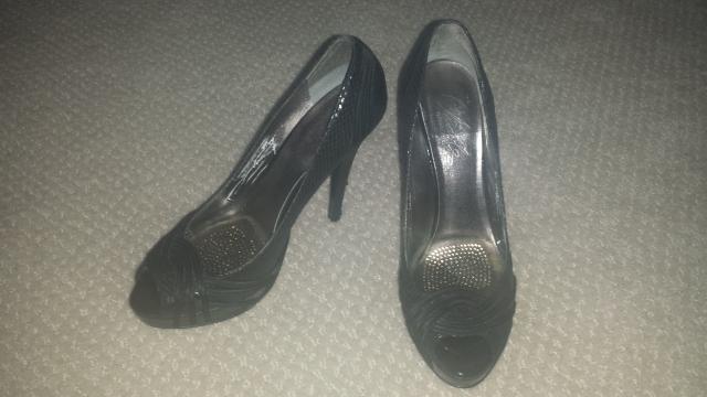 Black faux snakeskin Charles David platform peep toe pumps